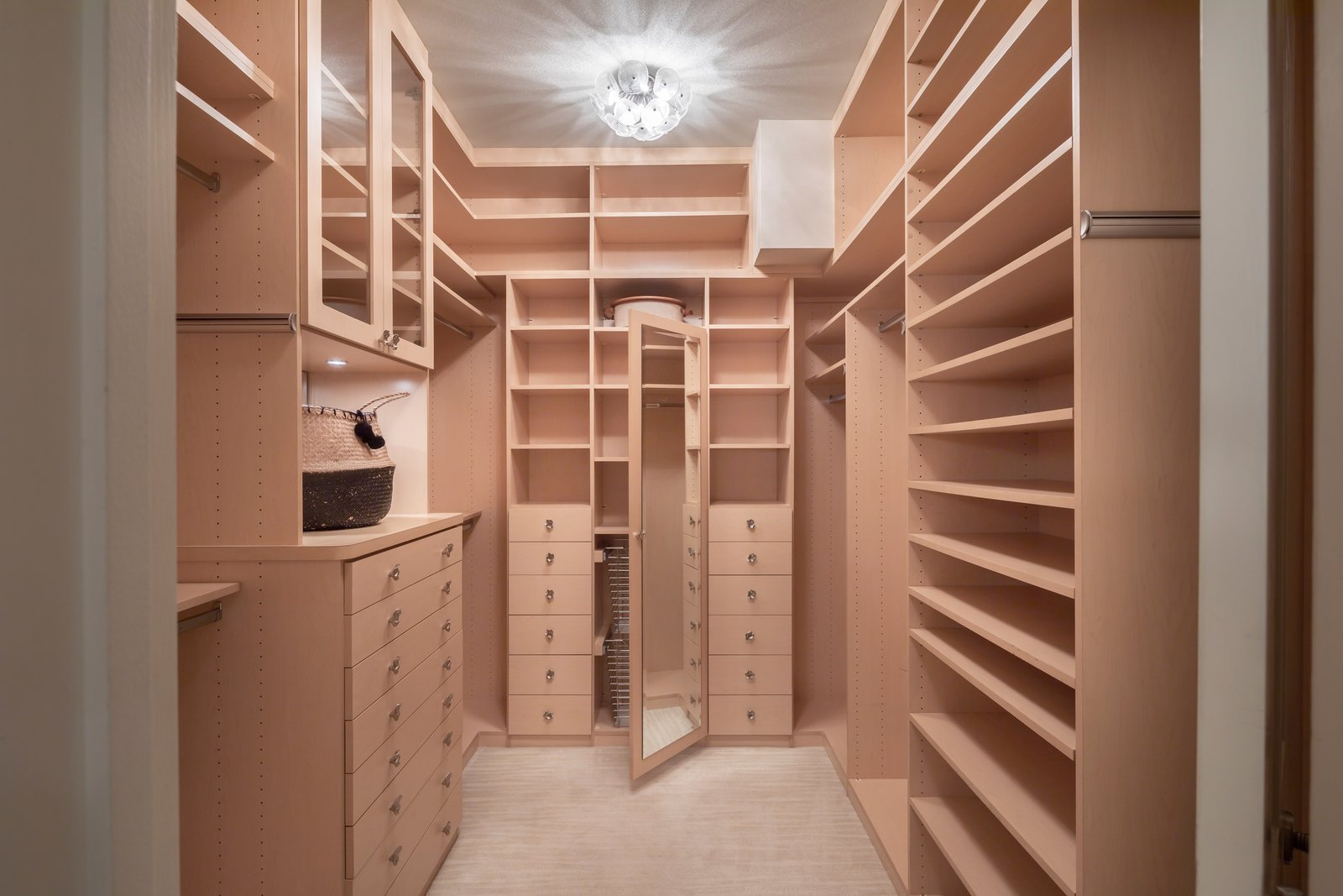 Robin Williams San Francisco home real estate closet