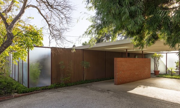 The Only Surviving Craig Ellwood Case Study House Asks $2.9M