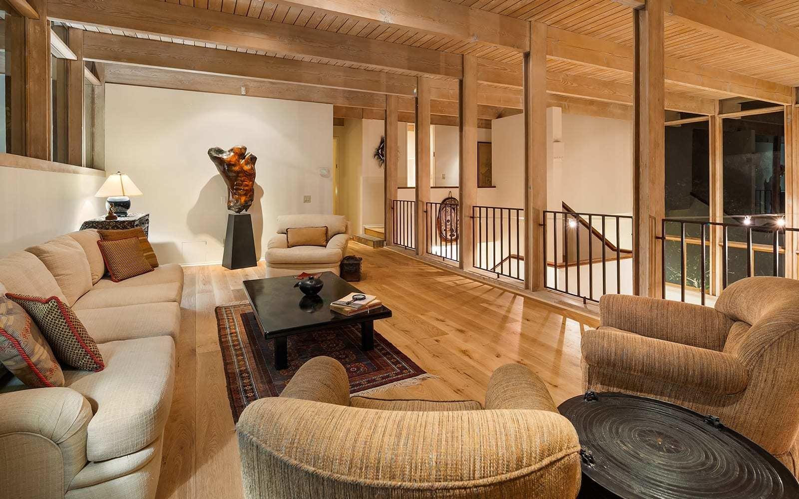 Midcentury House by Vernon F. Duckett loft
