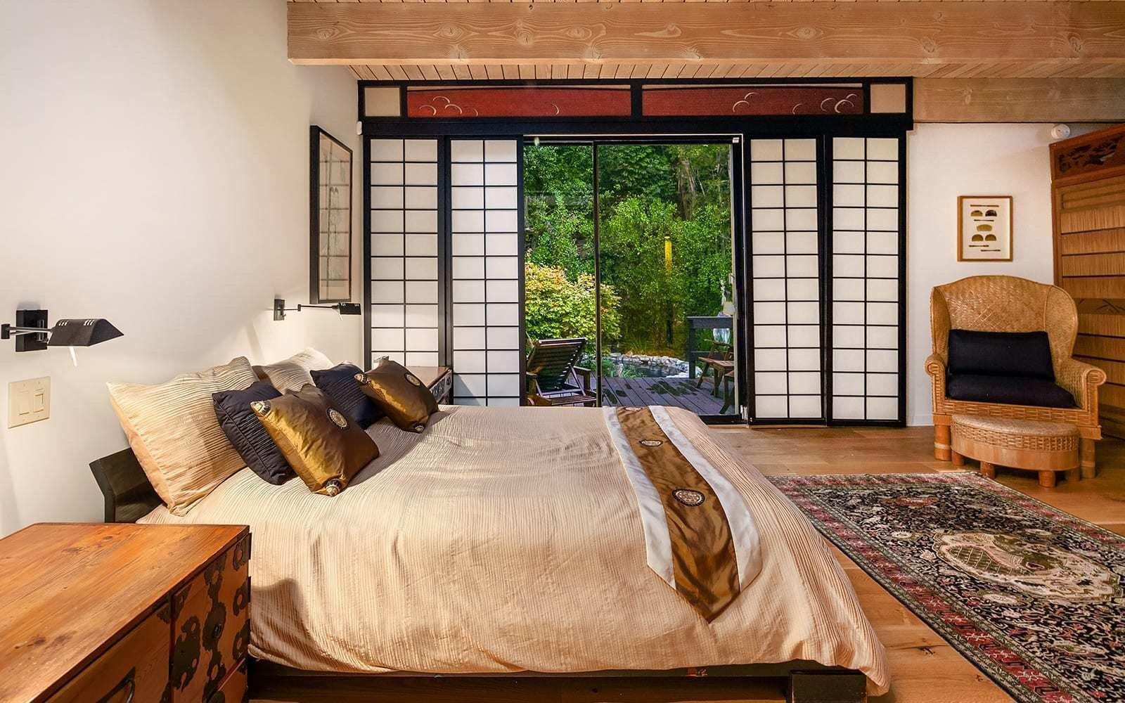 Midcentury House by Vernon F. Duckett bedroom