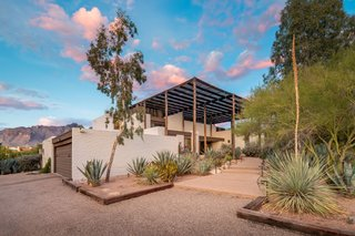 One of Arizona's Most Architecturally Significant Homes Just Hit the Market for $2M