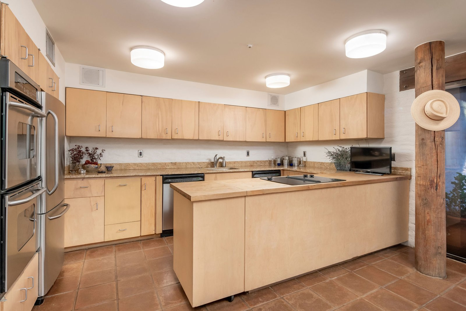 Ramada House kitchen