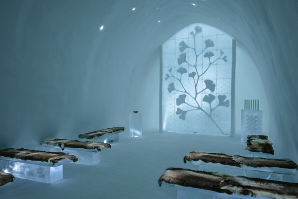 Another view of the Gingko Ceremony Hall. Each ice block in the ginkgo design weighs 40 kilos. Reindeer skin–covered benches allow visitors to sit in quiet contemplation for extended periods of time.