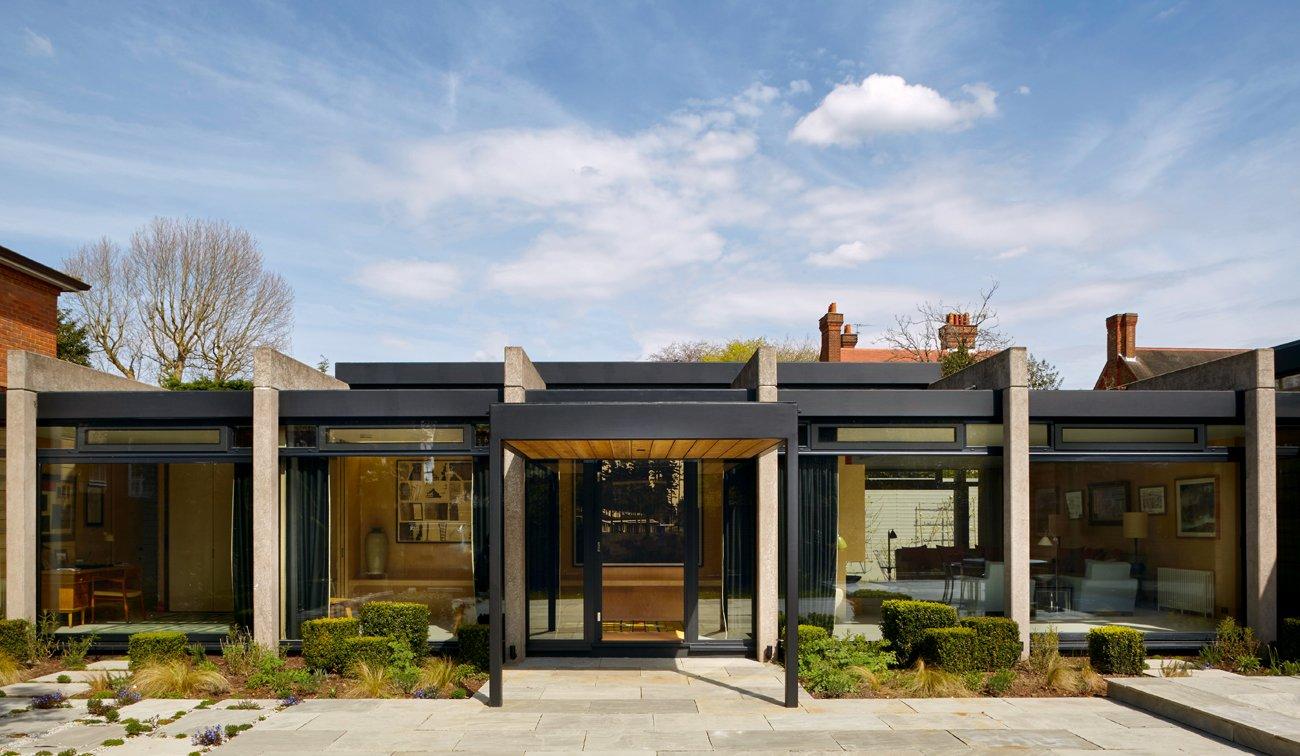 Atlas of Midcentury Modern Houses Dominic Bradbury Wimbledon House by Peter Foggo and David Thomas exterior