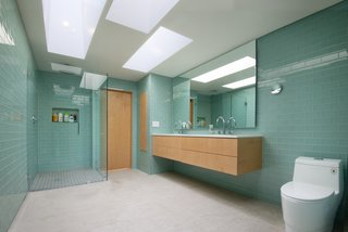 Best 55 Modern Bathroom Glass Tile Walls Design Photos And Ideas Dwell