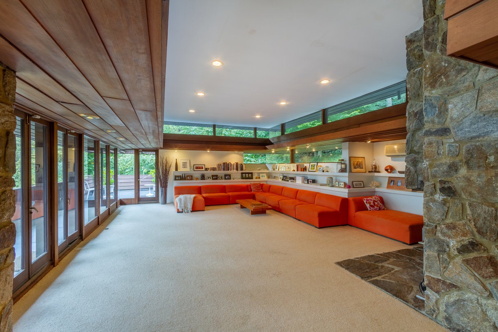 This Nearly Forgotten Connecticut Retreat by a Taliesin Fellow Hits the Market for $625K