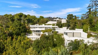 The Home That Ignited Richard Neutra's Architectural Career Is Up for Sale