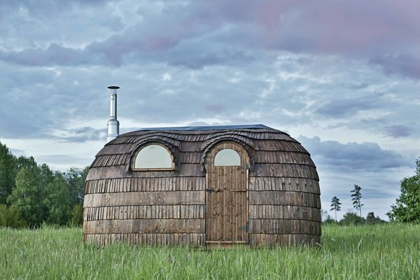 Successful cabin designs allowed for the easy expansion into larger saunas as well. Taking the same shape as a small-to-mid-sized hut, the company offers two six-person saunas.