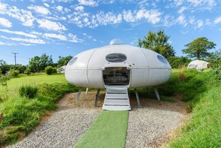 The 10 Weirdest Airbnb Listings Let You Sleep in a Shoe, an Elephant, and a Flying Saucer