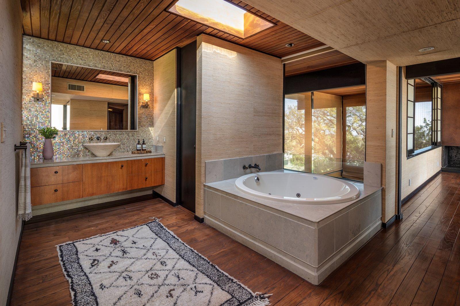 Franks House master bathroom