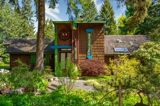 A Funky '70s House Owned by Nancy Wilson of Heart Lists for $1.2M Near Seattle