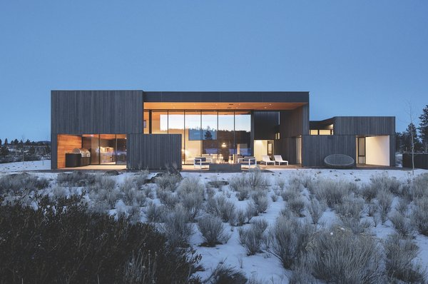 The Bend area also experiences dramatic daily temperature swings: a hot summer day can transition to below freezing at night. Cedar cladding provided the durability needed for such conditions.
