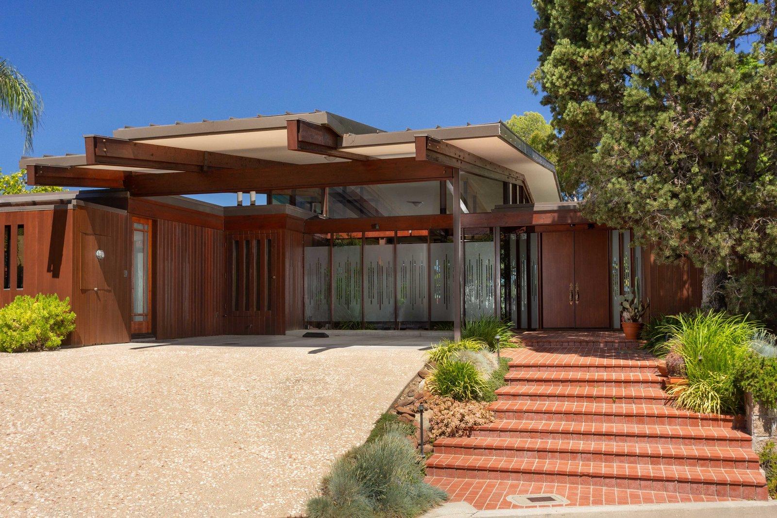 Meyer Residence exterior