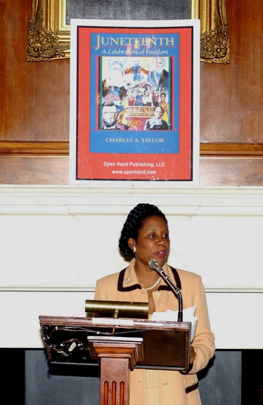 Congresswoman Sheila Jackson calls for Juneteenth to be a National Holiday in 2003.  Photo 2 of 5 in Here's What You Need to Know About the Juneteenth Flag