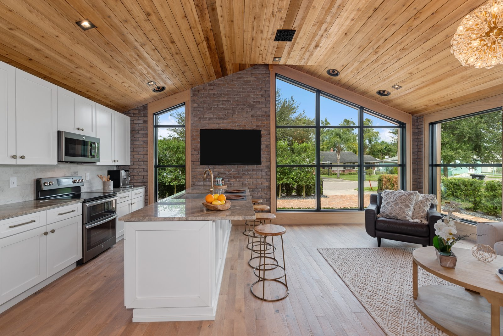 Renovated 1952 Winter Park home kitchen