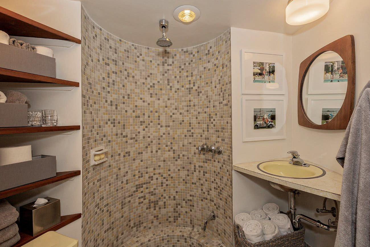 Glass House John Terence Kelly bathroom