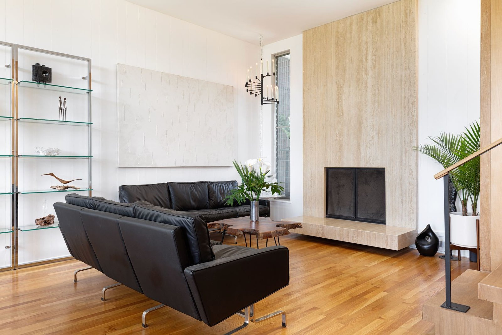 Laurel Canyon midcentury Los Angeles real estate living room