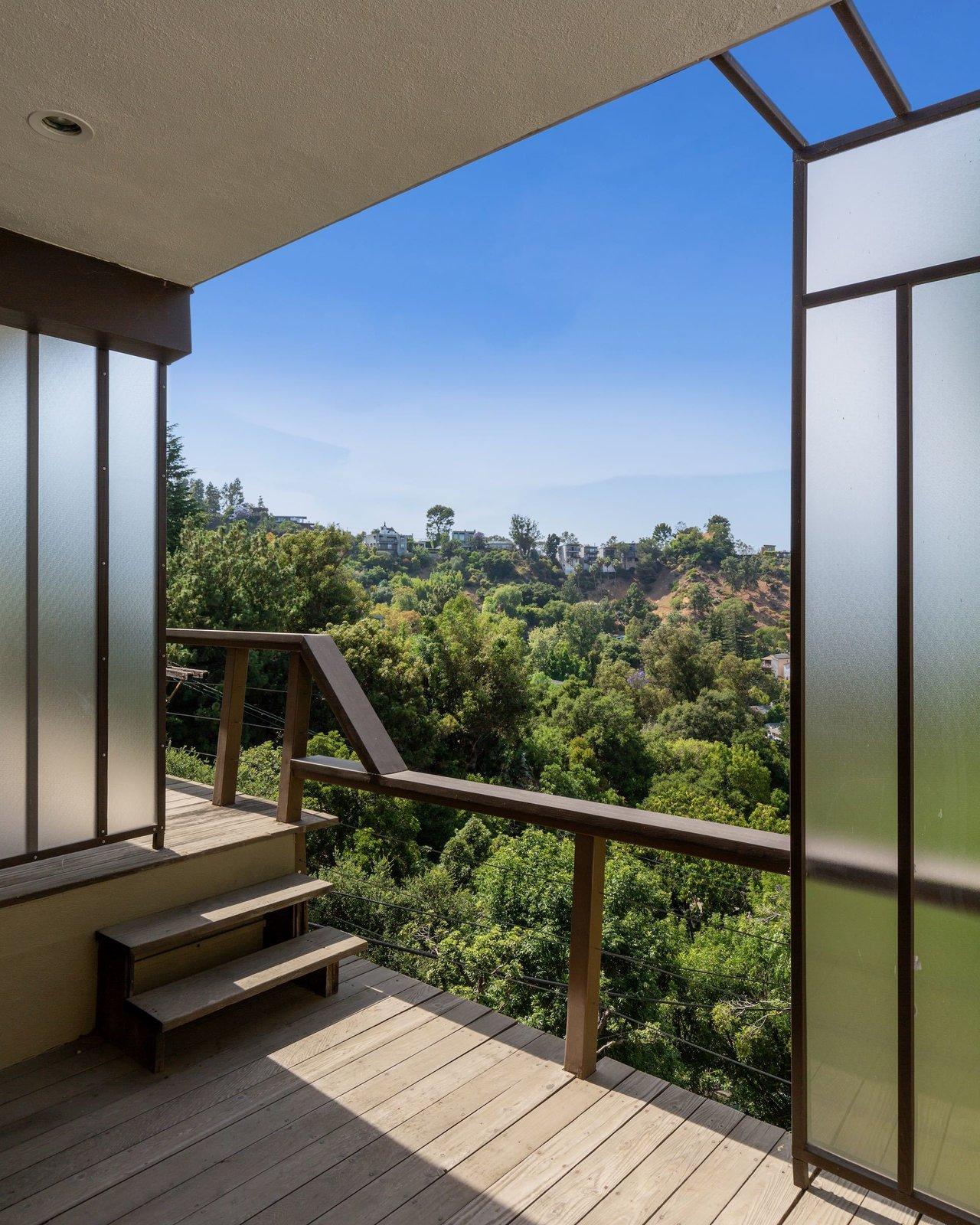 Laurel Canyon midcentury Los Angeles real estate outdoor