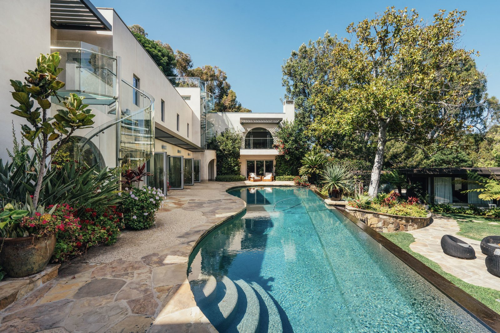 Bailey House mansion pool