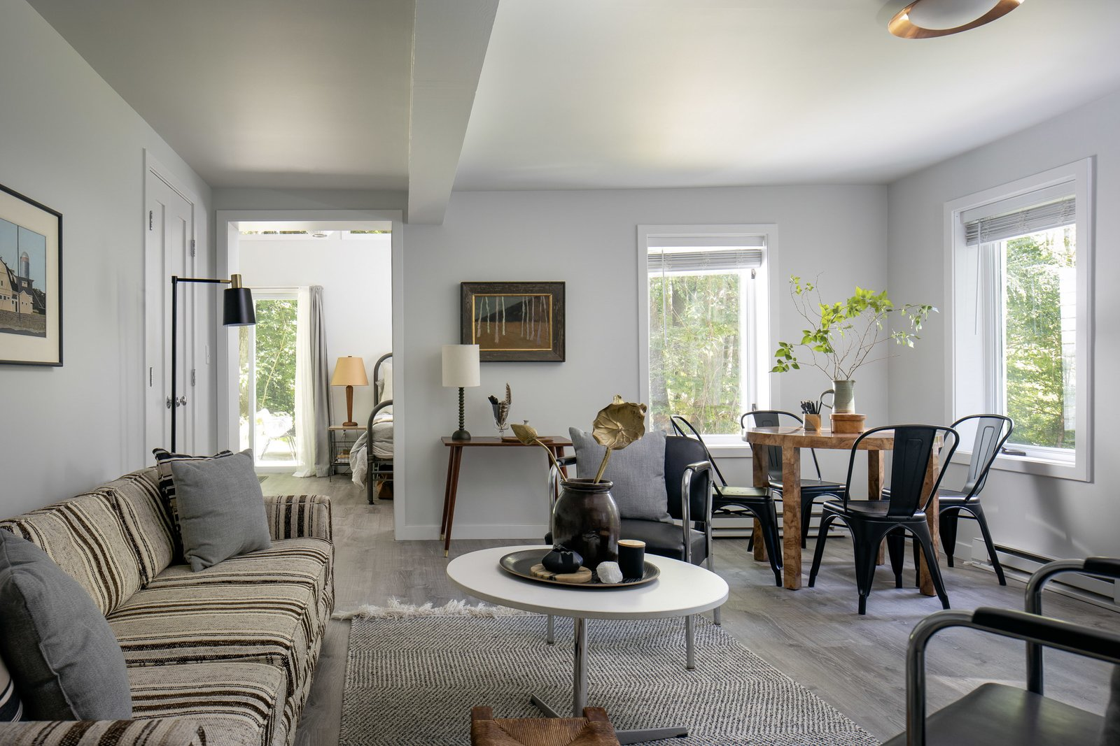 New England–style cottage living area