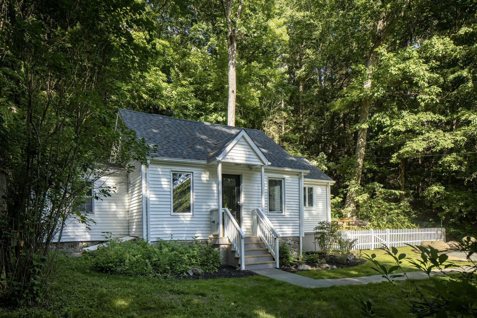 New England–style cottage exterior