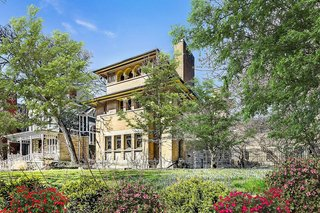 An Early Prairie-Style Residence by Frank Lloyd Wright Lists for $2.2M in Chicago