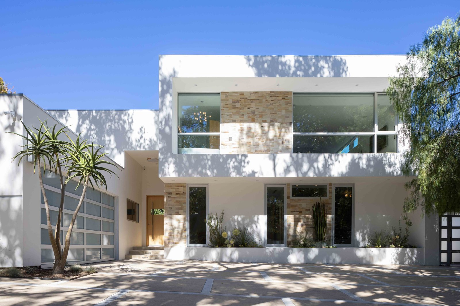Bruno Bondanelli Los Angeles home exterior