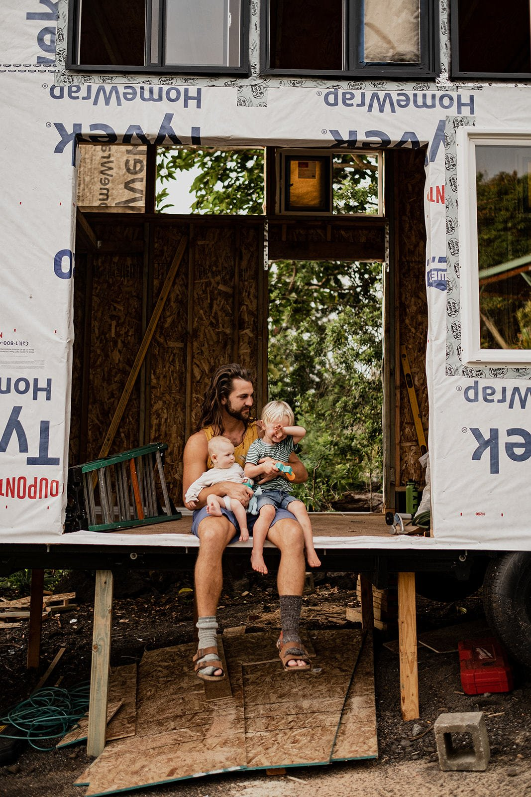 Built over 25 long working days, the backyard construction project was also balanced with regular visits from Taylor and Michaella's two children, Caedmon and Iona.  Photo 4 of 14 in A Hawaii-Based Couple Build a Luminous Tiny House in Just 25 Days