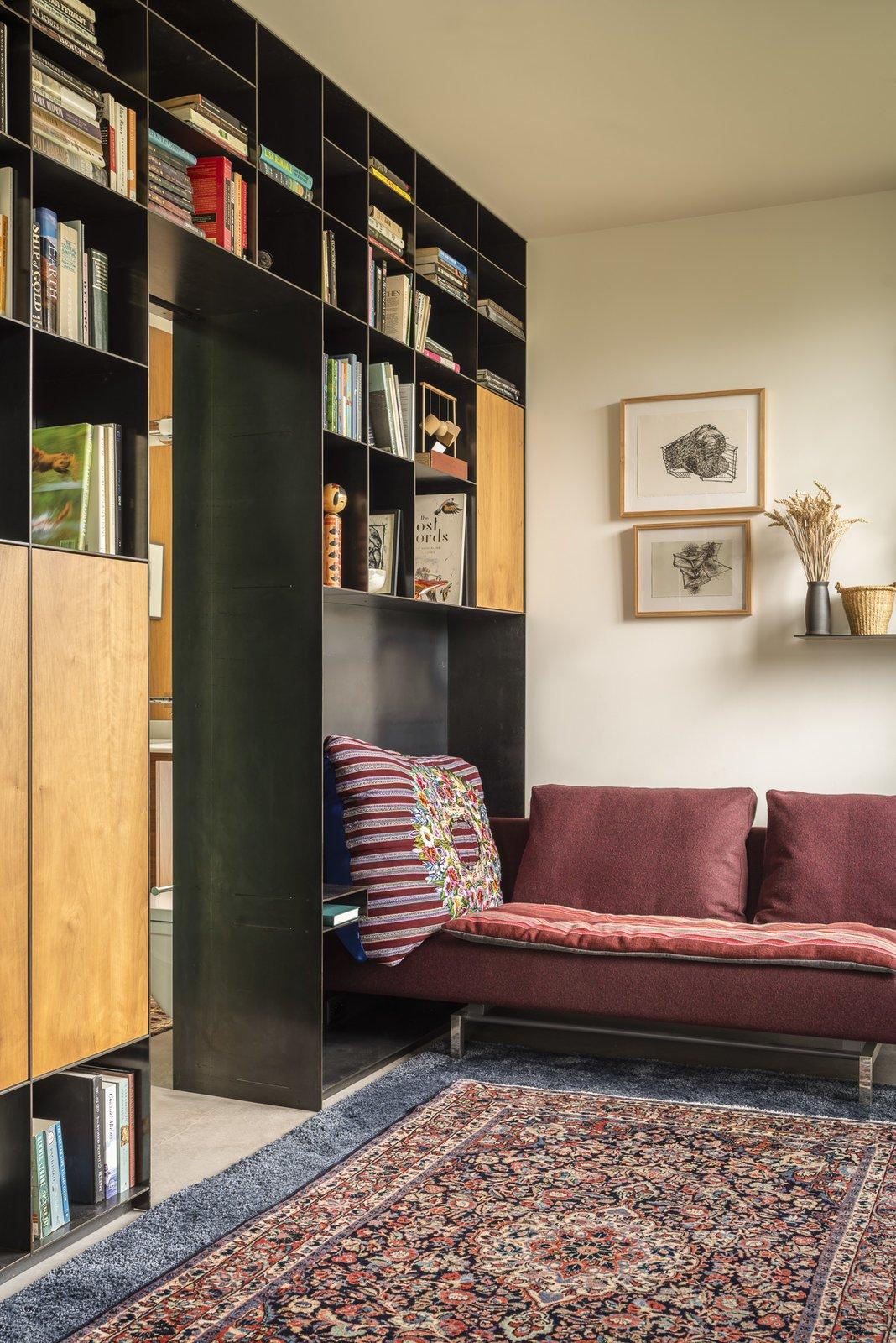 Helen Street Residence library
