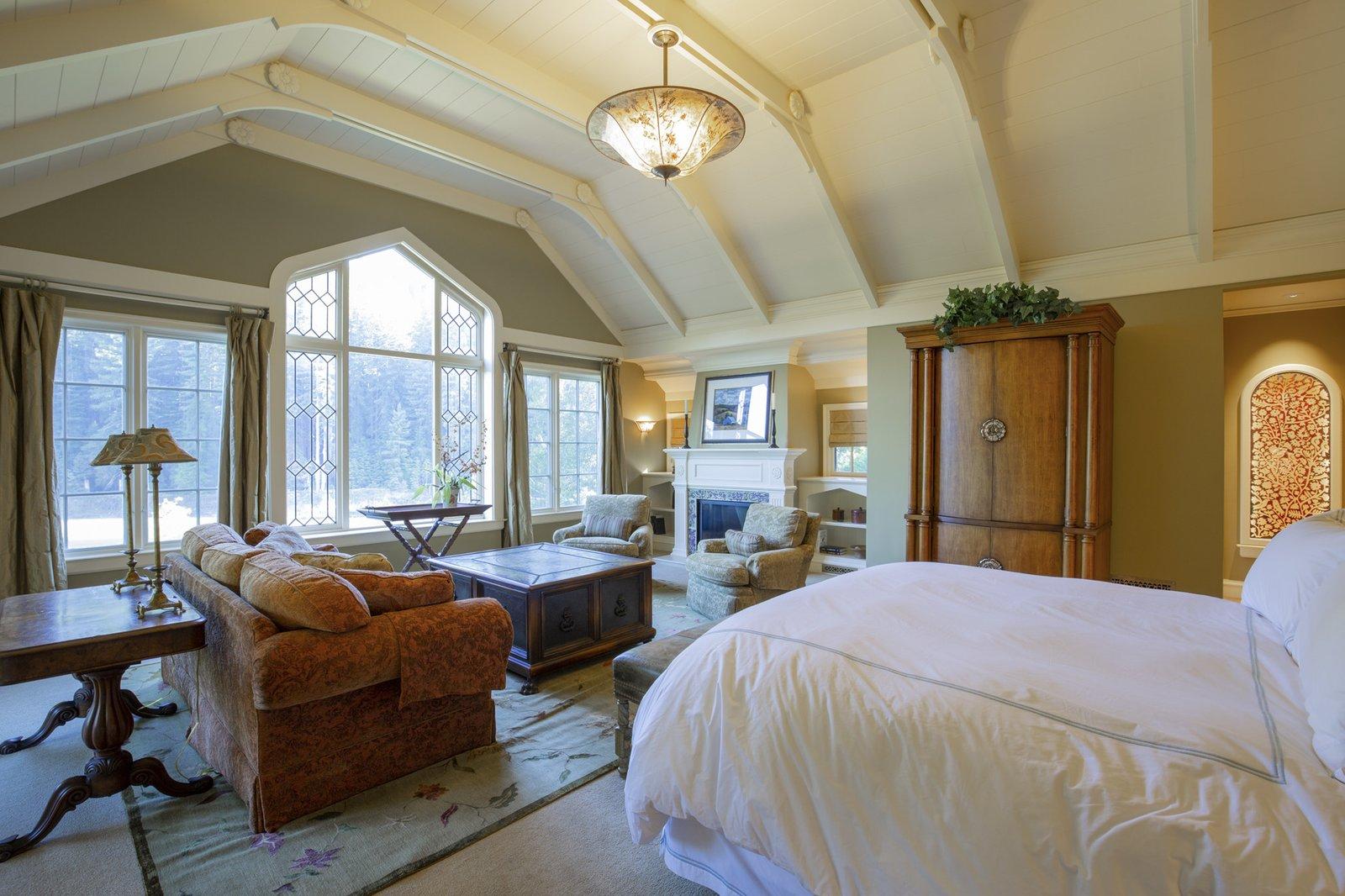 Redwood Grove Estate bedroom