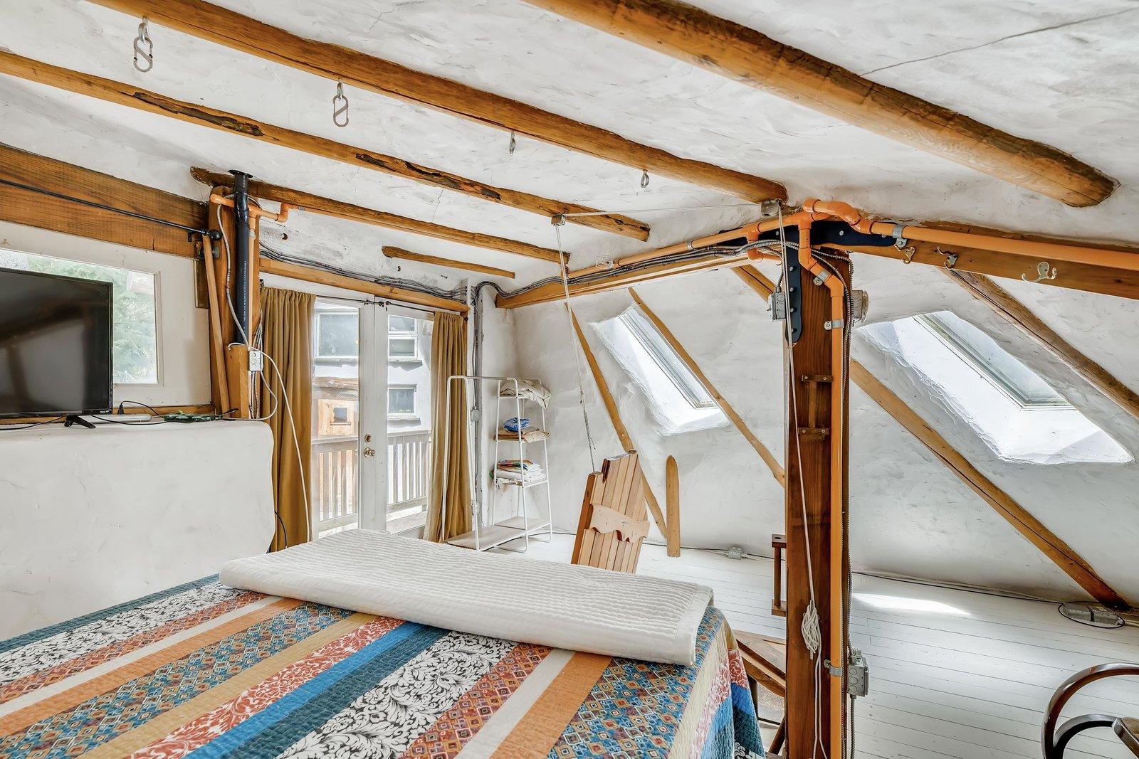 Sharingwood cob home bedroom
