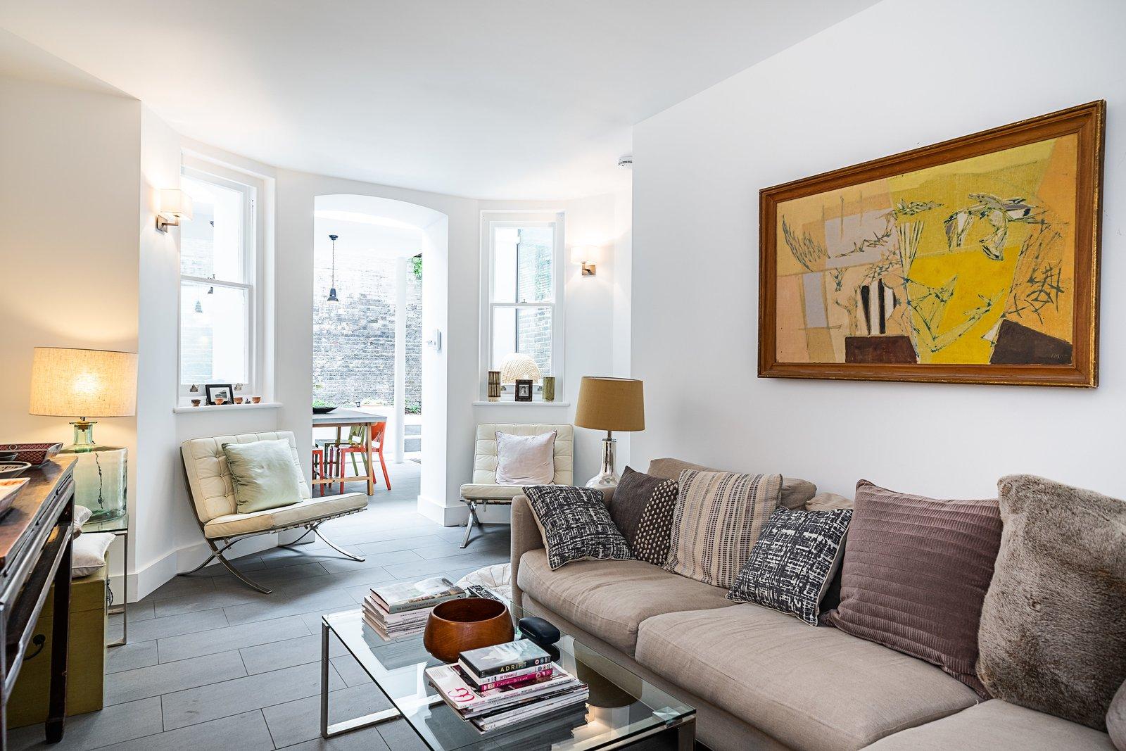 Oscar Wilde Apartment living area