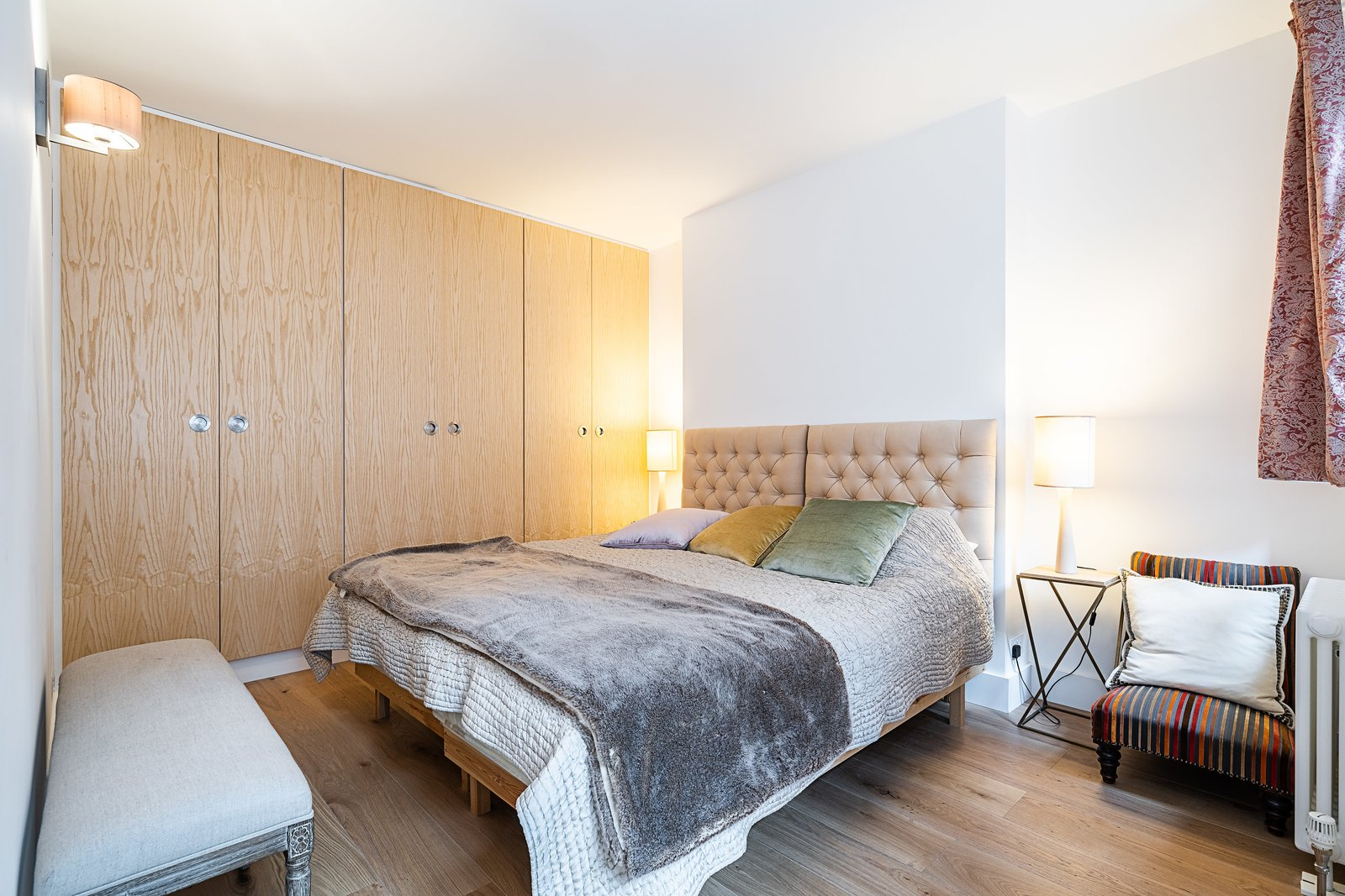 Oscar Wilde Apartment bedroom