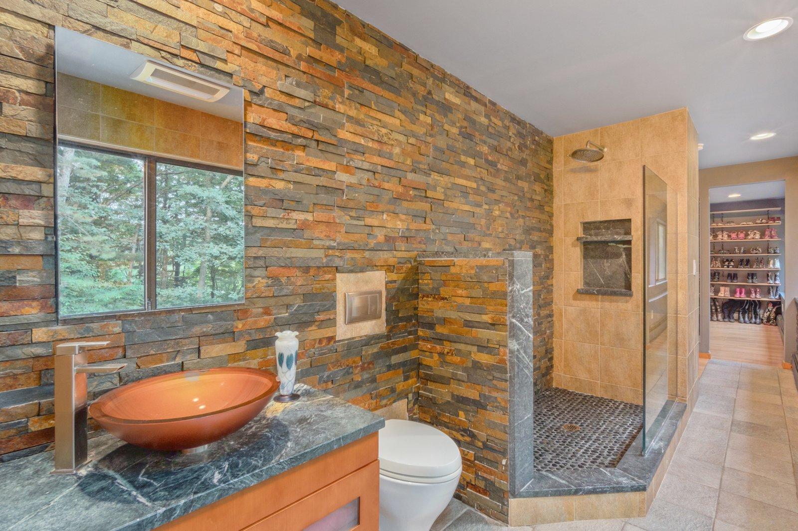 Cedar Bridge House bathroom