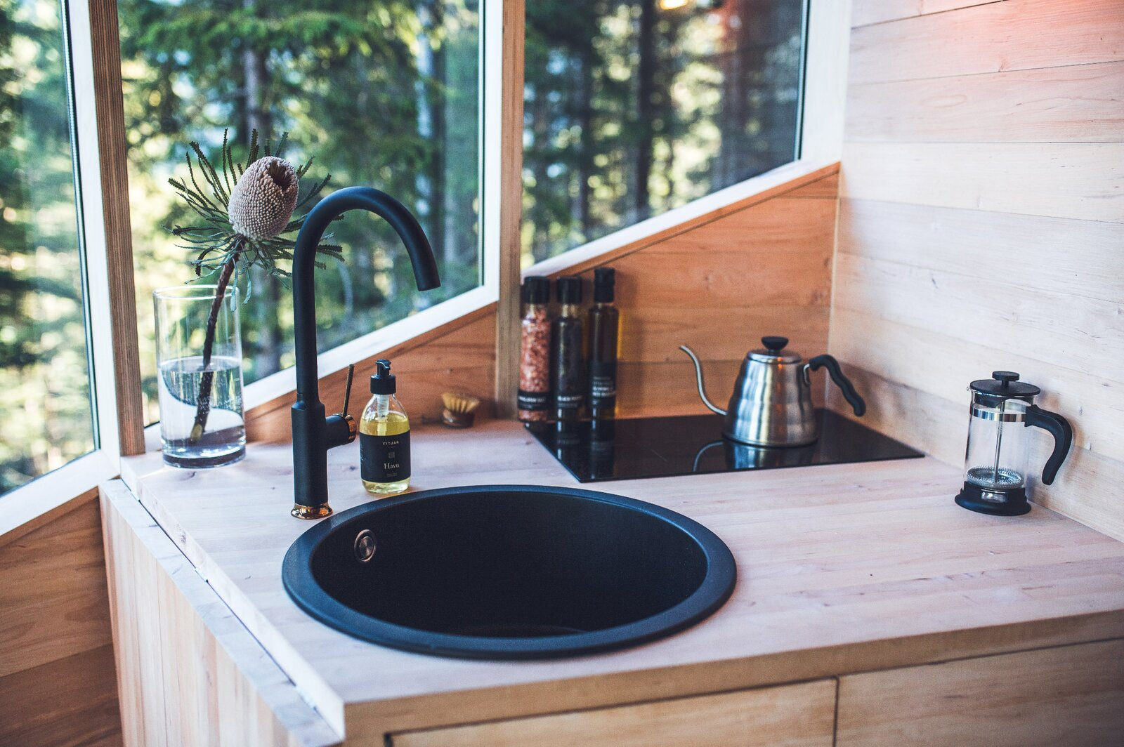 Woodnest tree house kitchenette