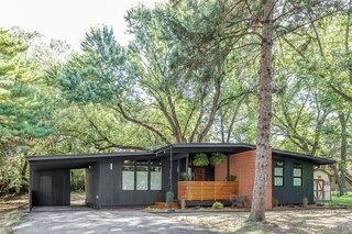 Before & After: A Renovated Iowan Midcentury House Impresses With an Affordable $330K Price Point