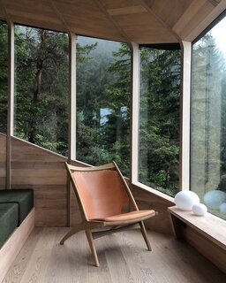 A built-in couch provides an additional perch to enjoy the surroundings.
