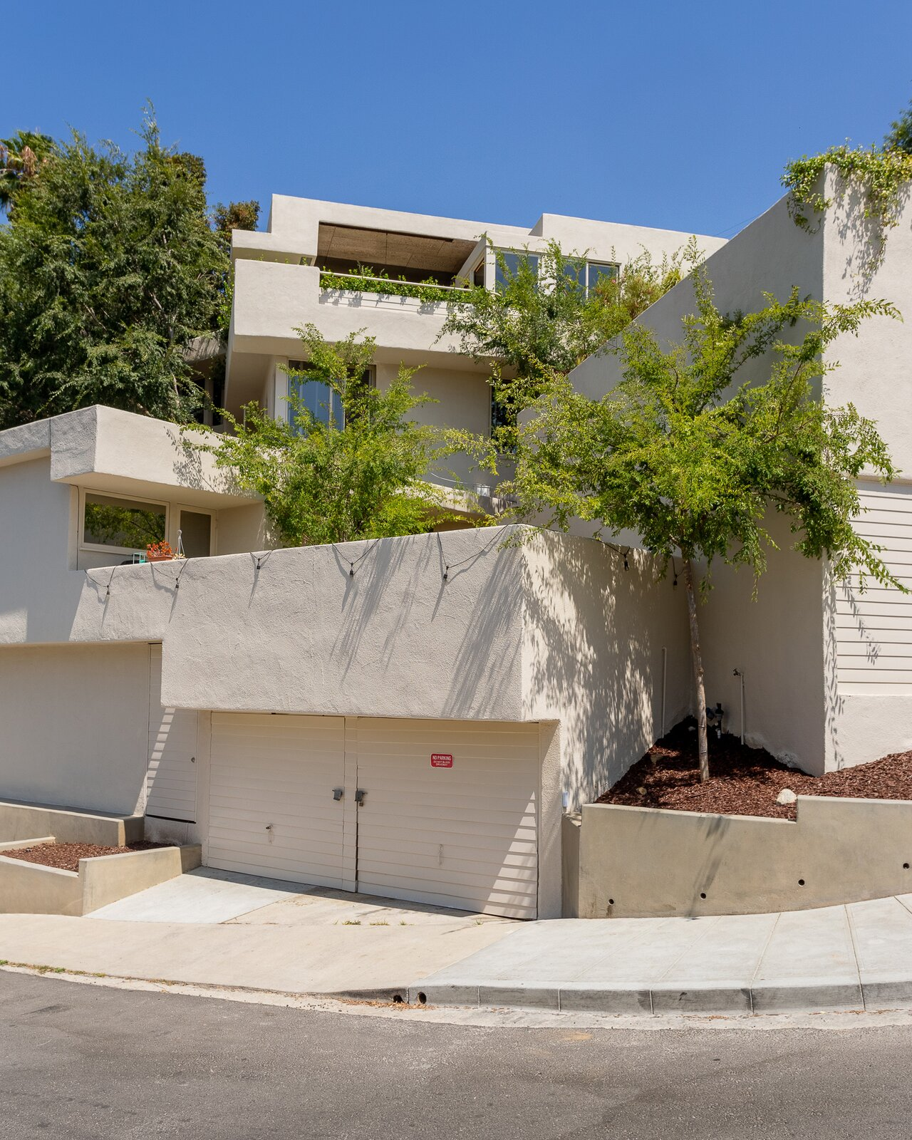 Another view of the exterior as it wraps around the corner.  Photo 14 of 14 in A Newly Restored Schindler Building Lists for $3.65M in L.A.