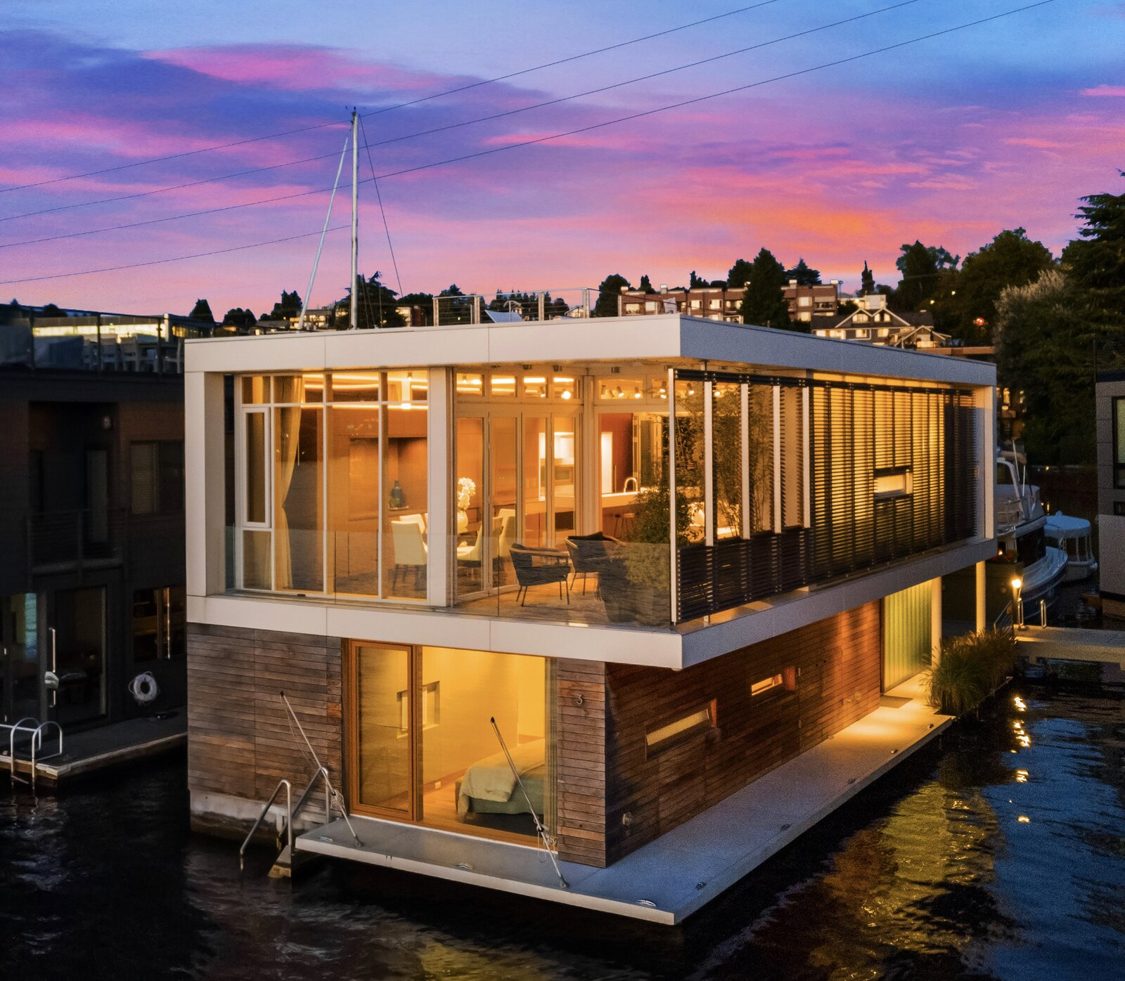 Vandeventer + Carlander floating home exterior