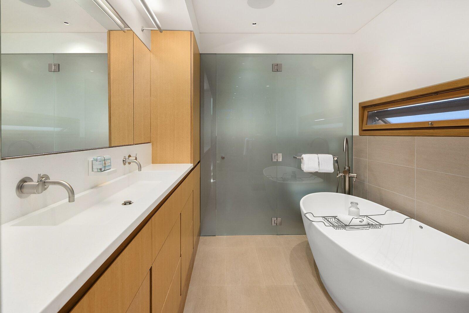 Vandeventer + Carlander floating home bathroom