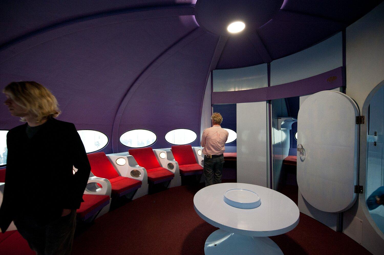 FUTURO flying saucer home interior