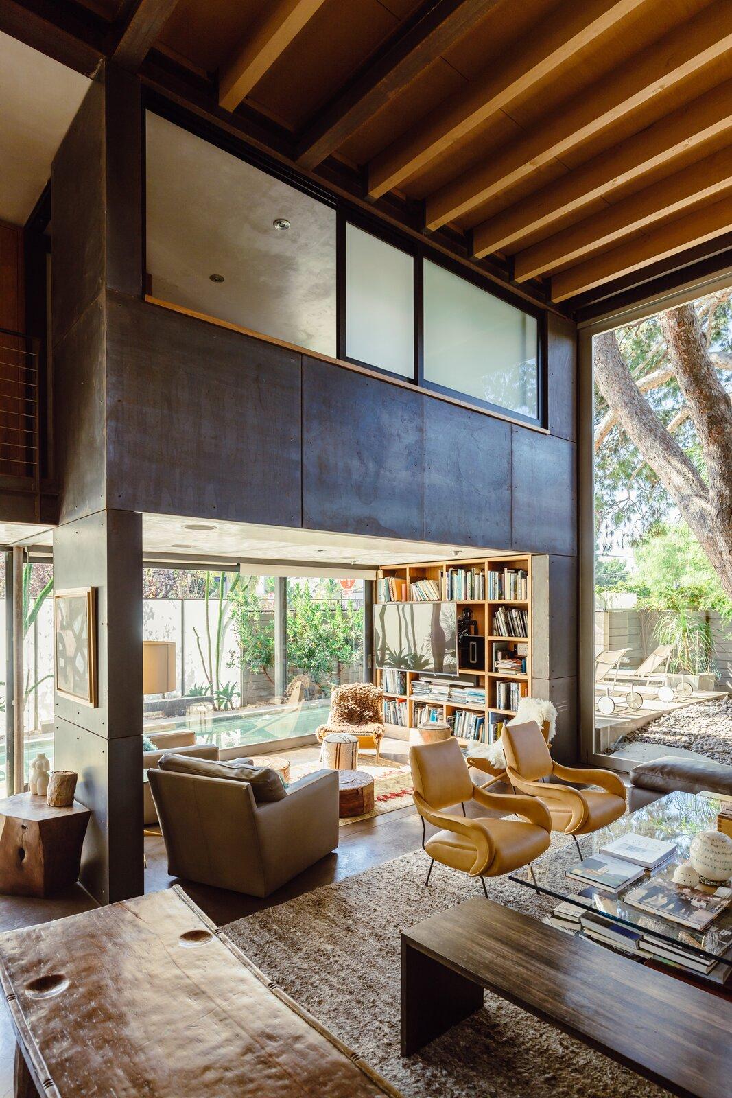 700 Palms living room