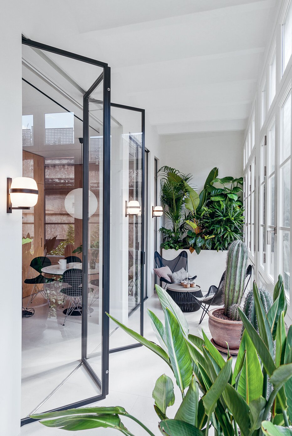 Interior of Barcelona apartment by YLAB Arquitectos