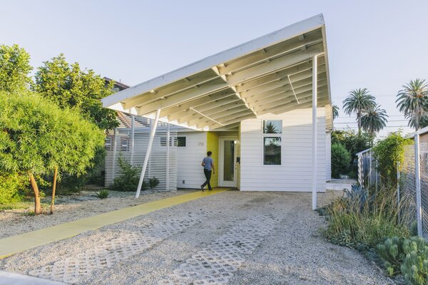 One of four sited in South Los Angeles, a starter home designed by Lehrer Architects and constructed for roughly $200,000 occupies an infill lot provided by the city.