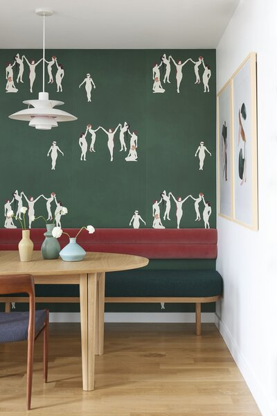 Mitchell Ehrlich designed the wallpaper in the dining area.