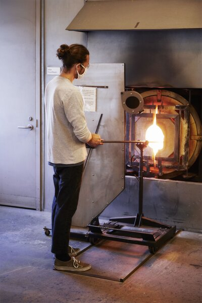 """Jason Bauer of the New York-based studio Fort Makers creates hand-blown glass objects, including bowls and cups in <span style=""""font-family: Theinhardt, -apple-system, BlinkMacSystemFont, """"Segoe UI"""", Roboto, Oxygen-Sans, Ubuntu, Cantarell, """"Helvetica Neue"""", sans-serif;"""">ombre colors.</span>'></a></noindex></noindex><figcaption> <p>Jason Bauer of the New York-based studio Fort Makers creates hand-blown glass objects, including bowls and cups inombre colors.</p> <p>Photo: <noindex><noindex><a target=""""_blank"""" rel=""""nofollow"""" href=""""https://www.dwell.com/@pippadrummond"""" target=""""_blank"""" rel=""""nofollow"""" profileid=""""6349001117860429824"""">Pippa Drummond</a></noindex></noindex></p> </figcaption></figure> <div> <p>""""We've been making our glasswork at UrbanGlass in Brooklyn since it opened its new studios in 2013,"""" says Bauer. """"Right now, we're making a Sunrise Sunset cup. It's a 12-ounce drinking glass that features a fade from an intense color density to near transparency. Well, it's actually a reverse fade, so you have to make the gradient first and then make a separate cup that you stuff the colored glass into—you can't really replicate that with a machine. Then we add a solid orb on the side that creates a subtle indentation in the cup and also acts as a grip, or holder.""""</p> </p></div> <figure><noindex><noindex><a target=""""_blank"""" rel=""""nofollow"""" href=""""https://www.dwell.com/article/made-in-america-products-makers-2020-67b65175/6733306648369573888"""" target=""""_blank"""" rel=""""nofollow"""" ><img loading=""""lazy"""" src=""""https://images.dwell.com/photos-6063391372700811264/6733306648369573888-medium/jason-bauer-and-colleague-romina-gonzales-at-work-in-the-studio.jpg"""" height=""""400"""" width=""""600"""" alt=""""Jason Bauer and colleague Romina Gonzales at work in the studio.""""></a></noindex></noindex><figcaption> <p>Jason Bauer and colleague Romina Gonzales at work in the studio.</p> <p>Photo: <noindex><noindex><a target=""""_blank"""" rel=""""nofollow"""" href=""""https://www.dwell.com/@pippadrummond"""" target=""""_blank"""" rel=""""nofo"""