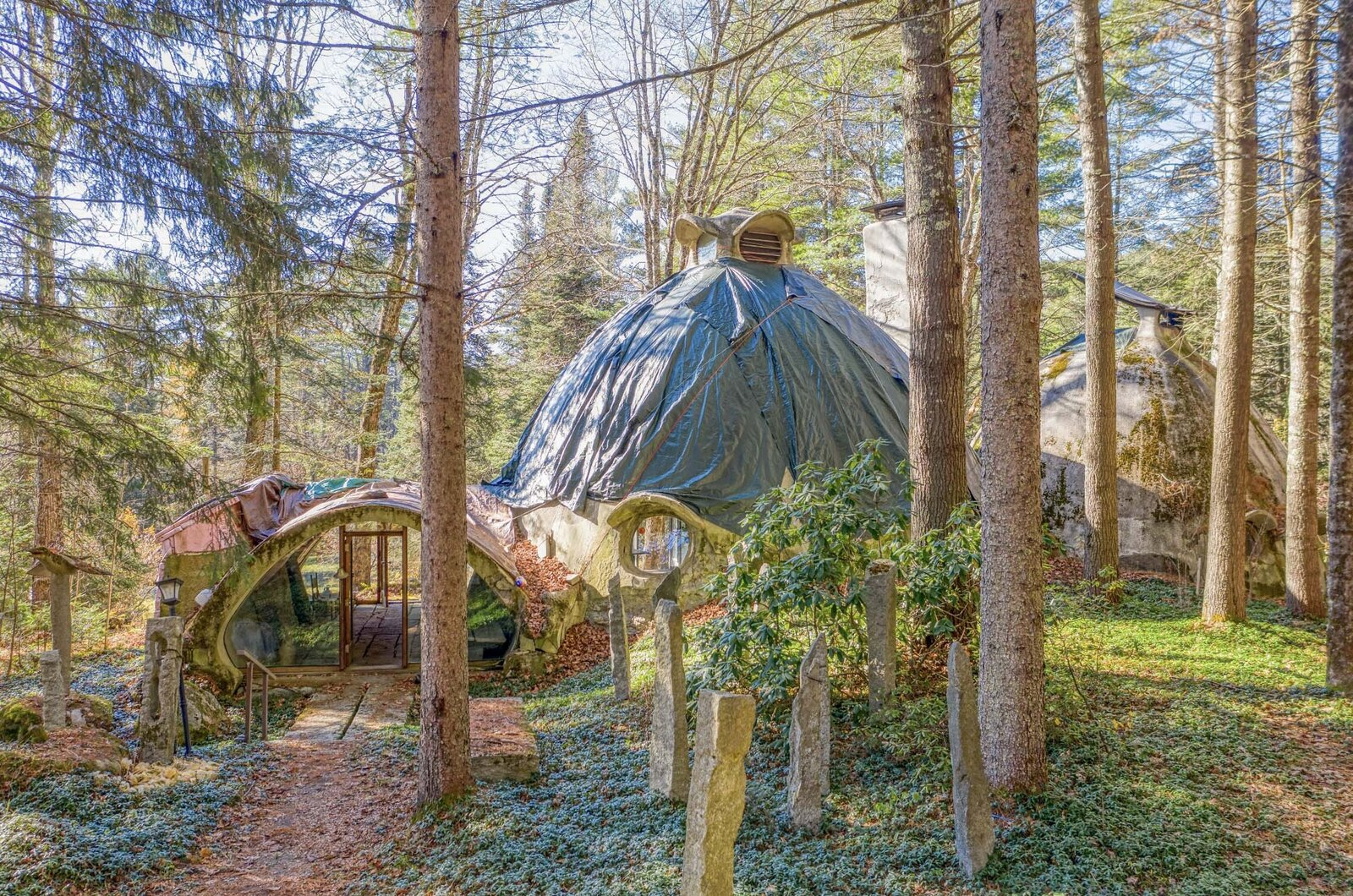 """Located in northwestern Vermont, this earthen home was designed and built by architect Robert """"Bob  Photo 2 of 12 in Asking $220K, an Architect's Handcrafted Earthen Home Seeks a Visionary Buyer in Vermont"""