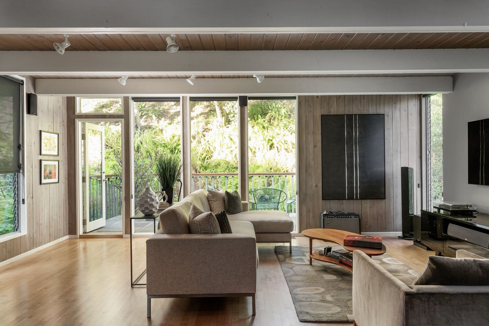 A Serene Post-and-Beam Home in the Hills of Los Angeles Asks $1.4M