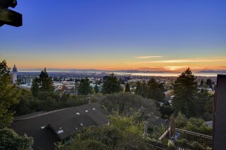 On clear days, views from the property include the University of California, Berkeley campus, as well as San Francisco and the Golden Gate Bridge in the distance.