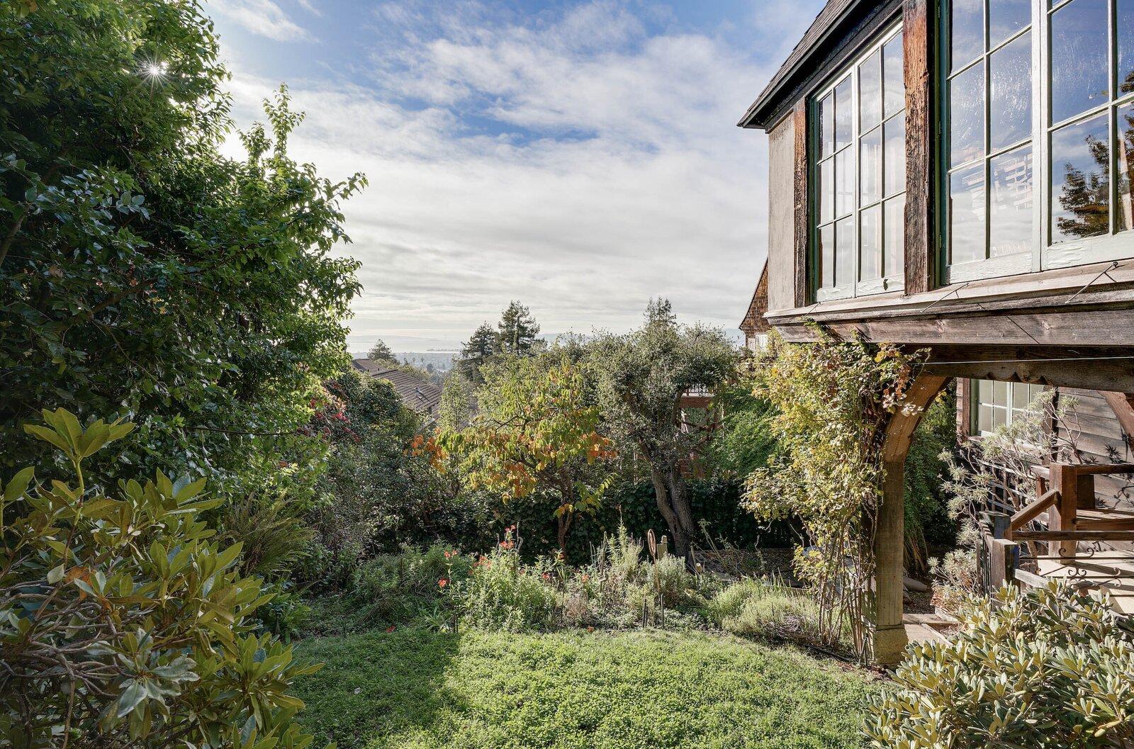 Ericsson-Bray House garden